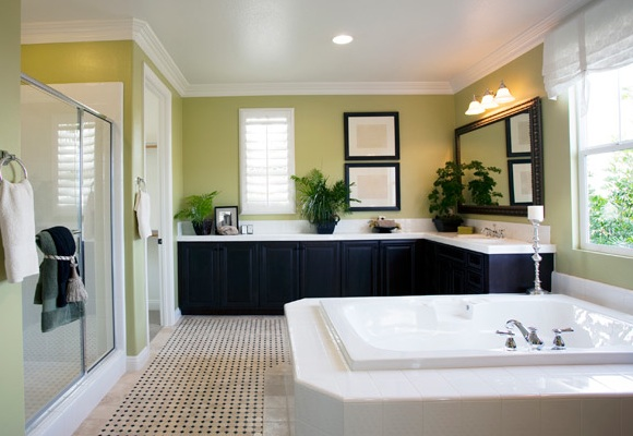 Bathroom Remodeling Guide: Trends and Costs